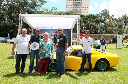 Bino Mark I (Recriação 1966) Ana Maria Alencar – premiado na categoria Tropicalismo, veículos entre 1961 e 1966
