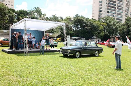 DKW Fissore 1966 – Ricardo Prado – premiado na categoria Tropicalismo, veículos entre 1961 e 1966